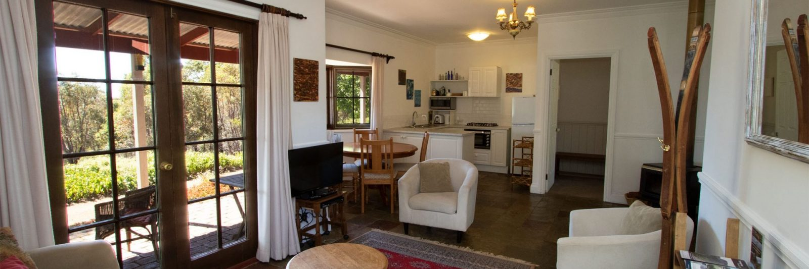 Mountain View Cottage Living Area Entry